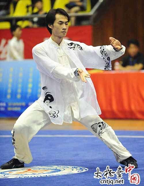 2011年全国武术套路冠军赛在广东湛江举行