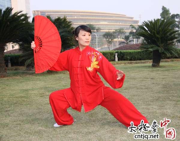 温州陈卫生太极拳馆主教练—谢蓓蕾