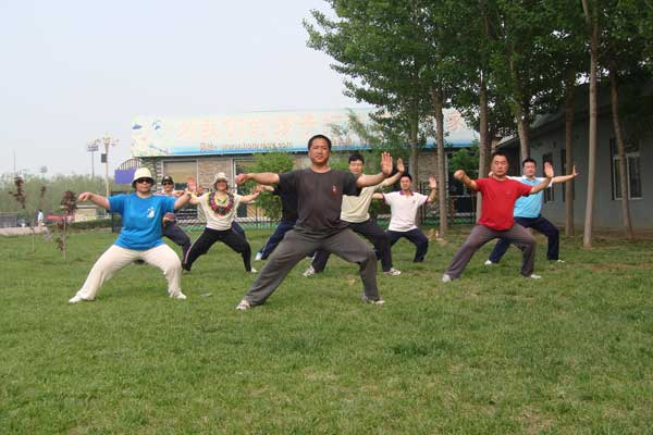 北京万坤太极拳社回龙观活动掠影