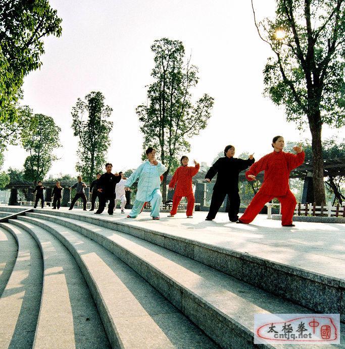 湖北京山太极协会晨练